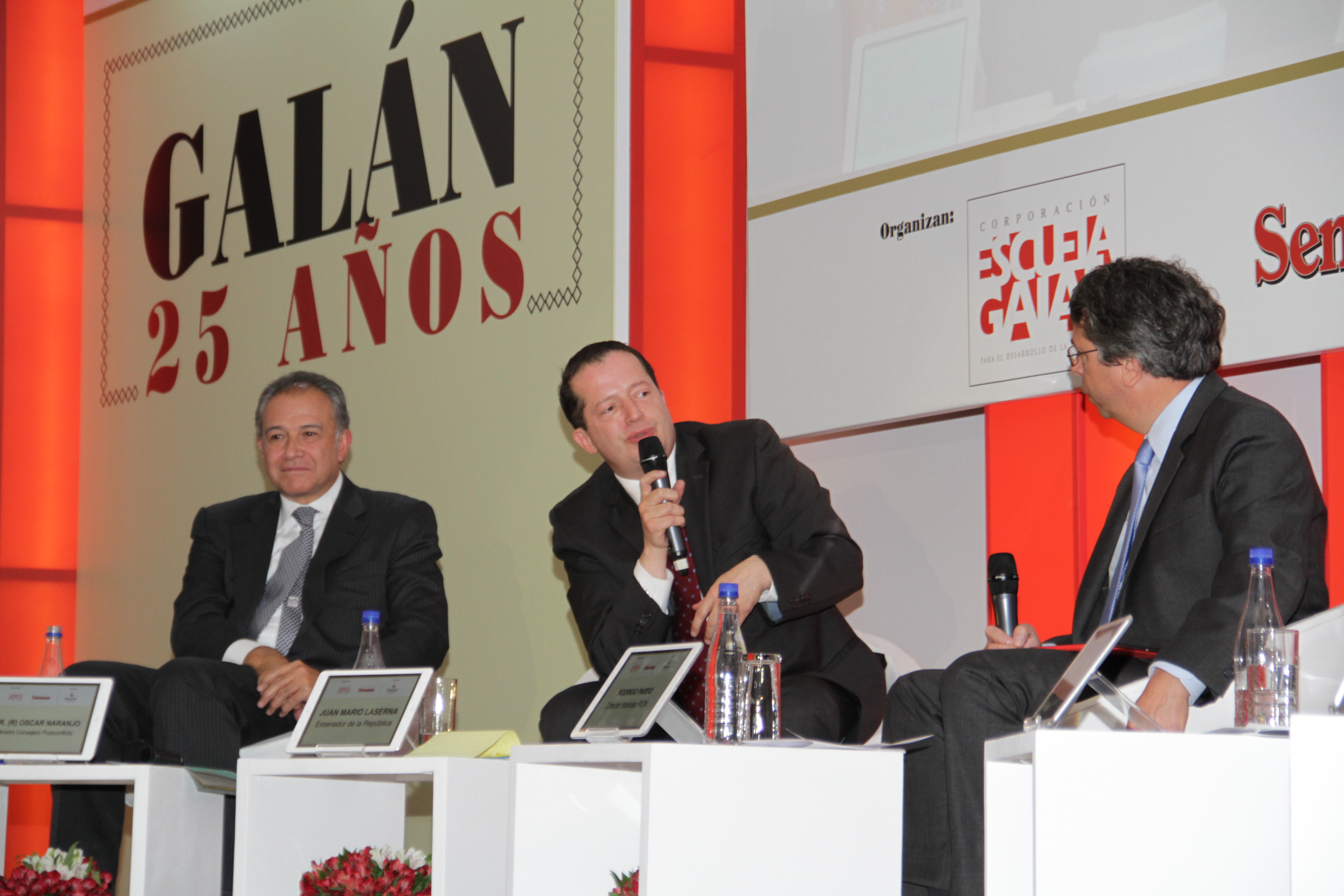 Óscar Naranjo, Juan Mario Laserna y Rodrigo Pardo
