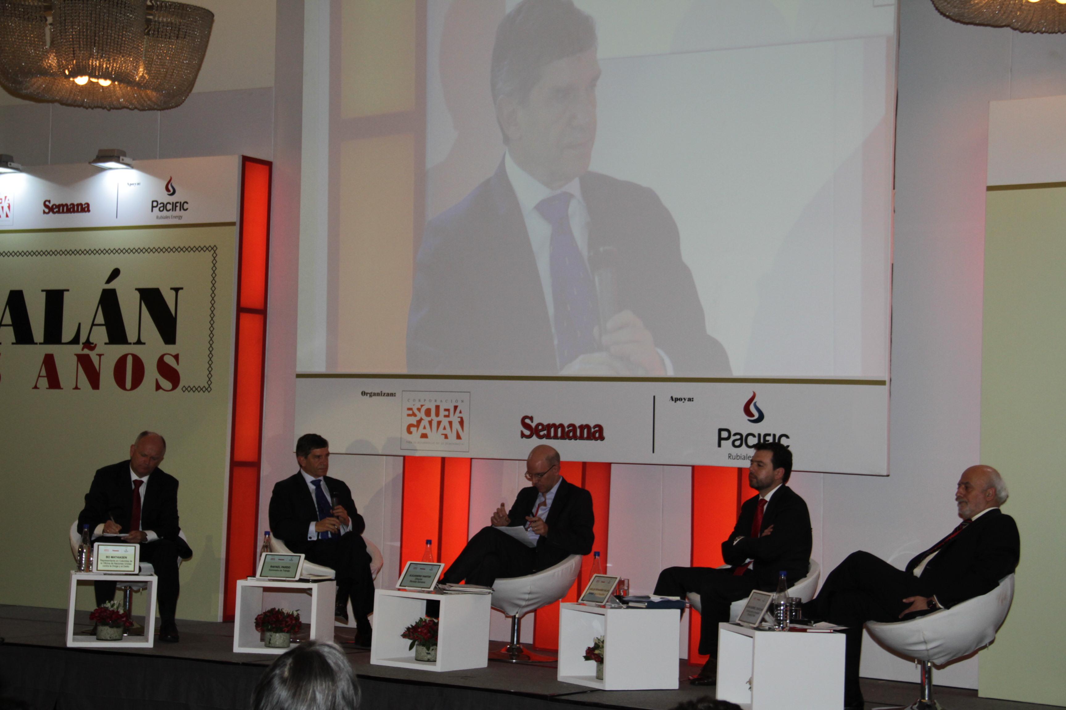 Bo Mathiasen, Rafael Pardo, Alejandro Santos, Carlos Fernando Galán y Juan Gabriel Tokatlian.