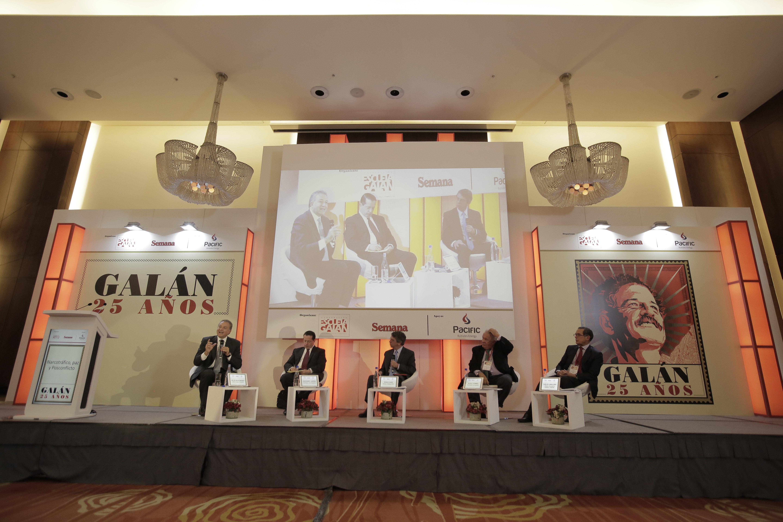 Óscar Naranjo, Juan Mario Laserna, Rodrigo Pardo, Rudolf Hommes y  Carlos Caballero