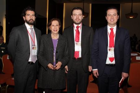 Claudio Galán, Gloria Pachón de Galán, Carlos Fernando Galán y Juan Manuel Galán