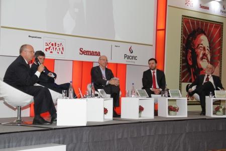 Bo Mathiasen, Rafael Pardo, Alejandro Santos,  Carlos Fernando Galán y Juan Gabriel Tokatlian