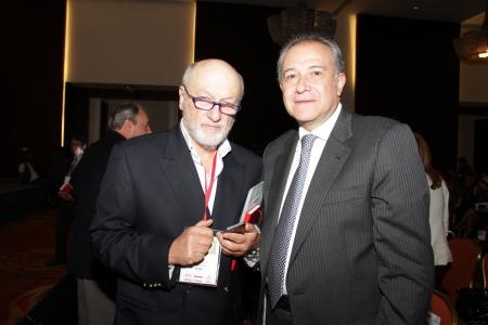 Juan Gabriel Tokatlian y Oscar Naranjo